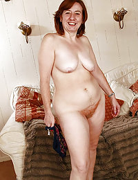 hairy wife dominated by huge cock tranny