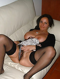 wife sleeping najed with hairy pussy dripping